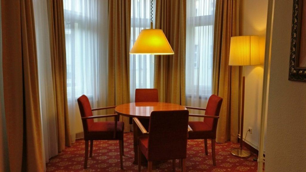 Hotel Zarenhof Prenzlauer Berg Berlin Esstisch