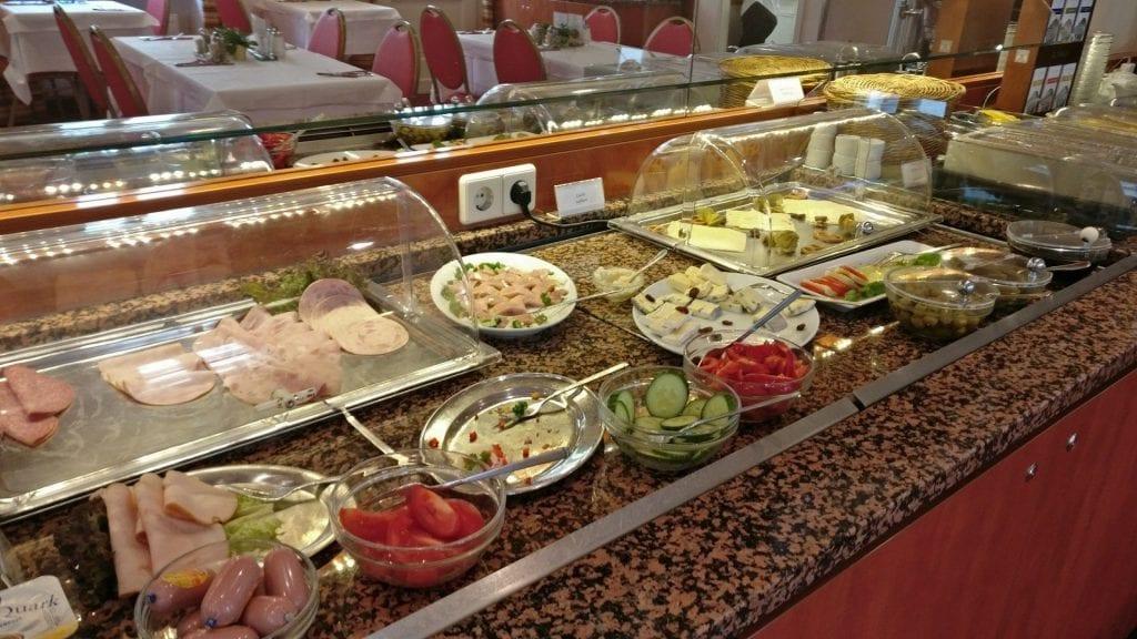 Hotel Zarenhof Prenzlauer Berg Berlin Frühstück Buffet Essen