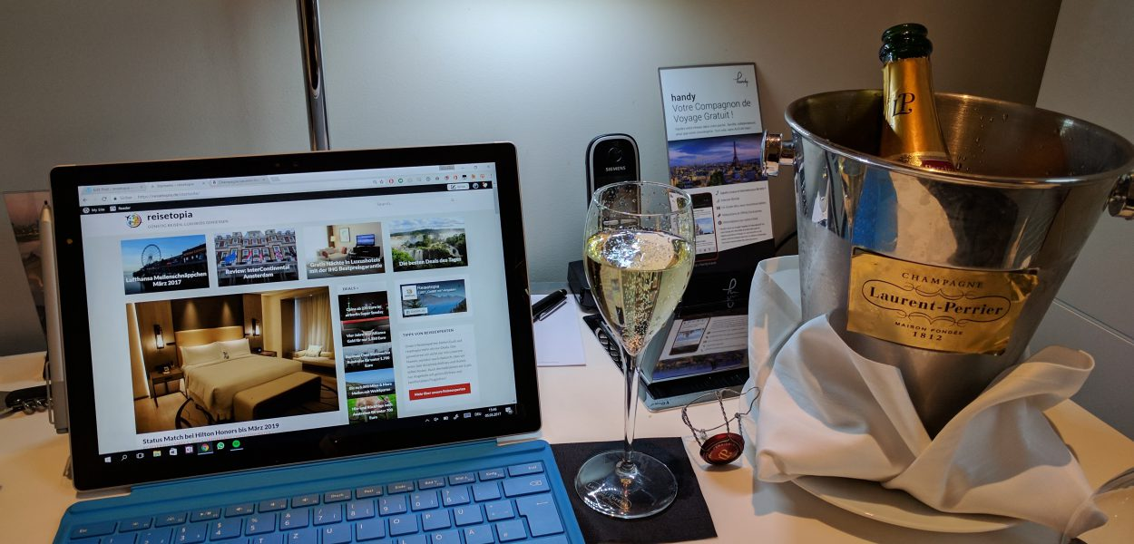 InterContinental Paris Avenue Marceau Laptop Champagner