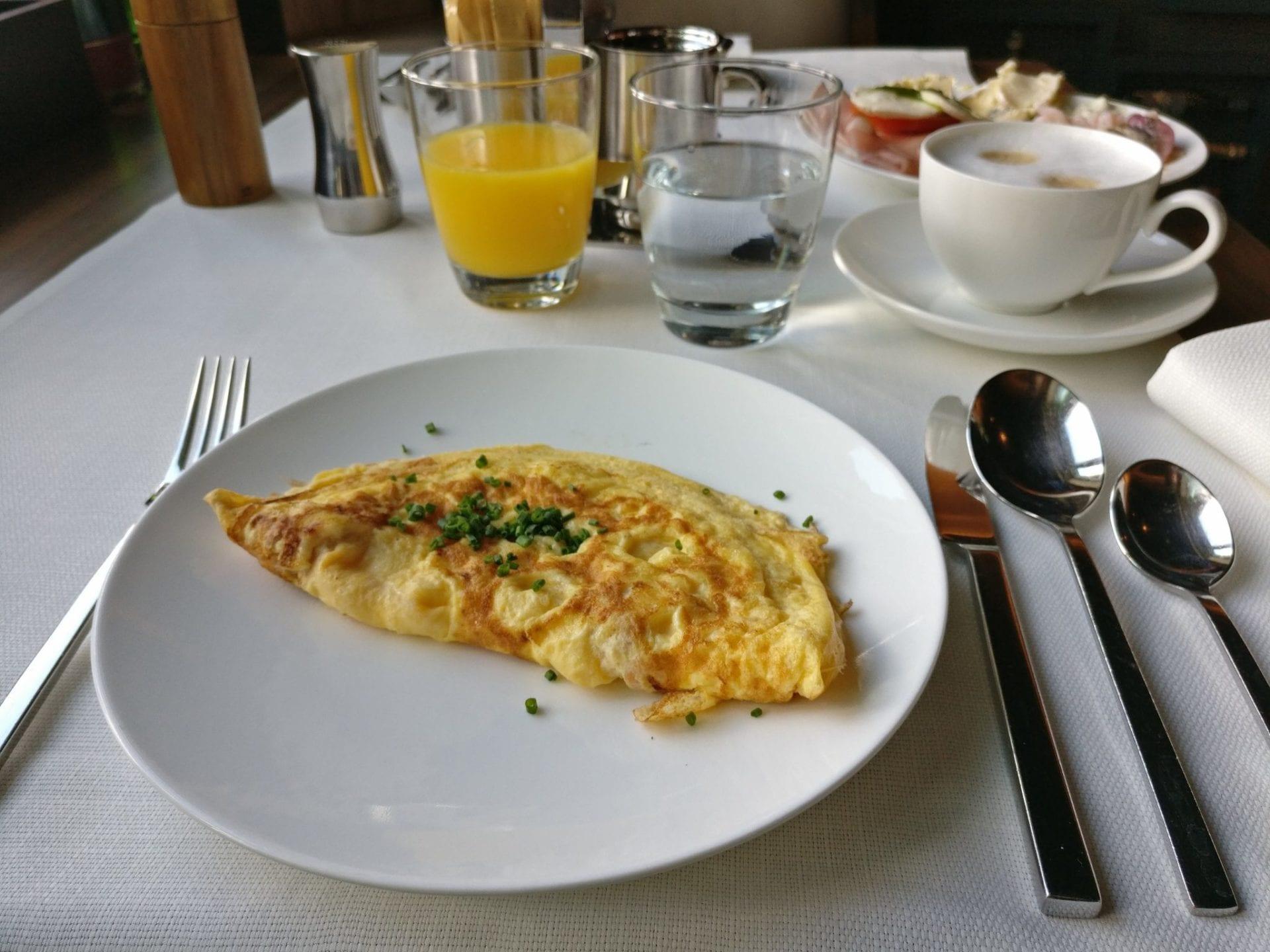 Le Meridien Hamburg Frühstück