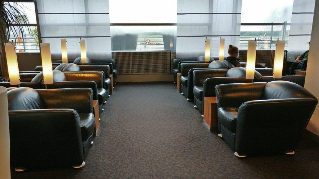 lufthansa senator lounge sitzgelegenheiten 2