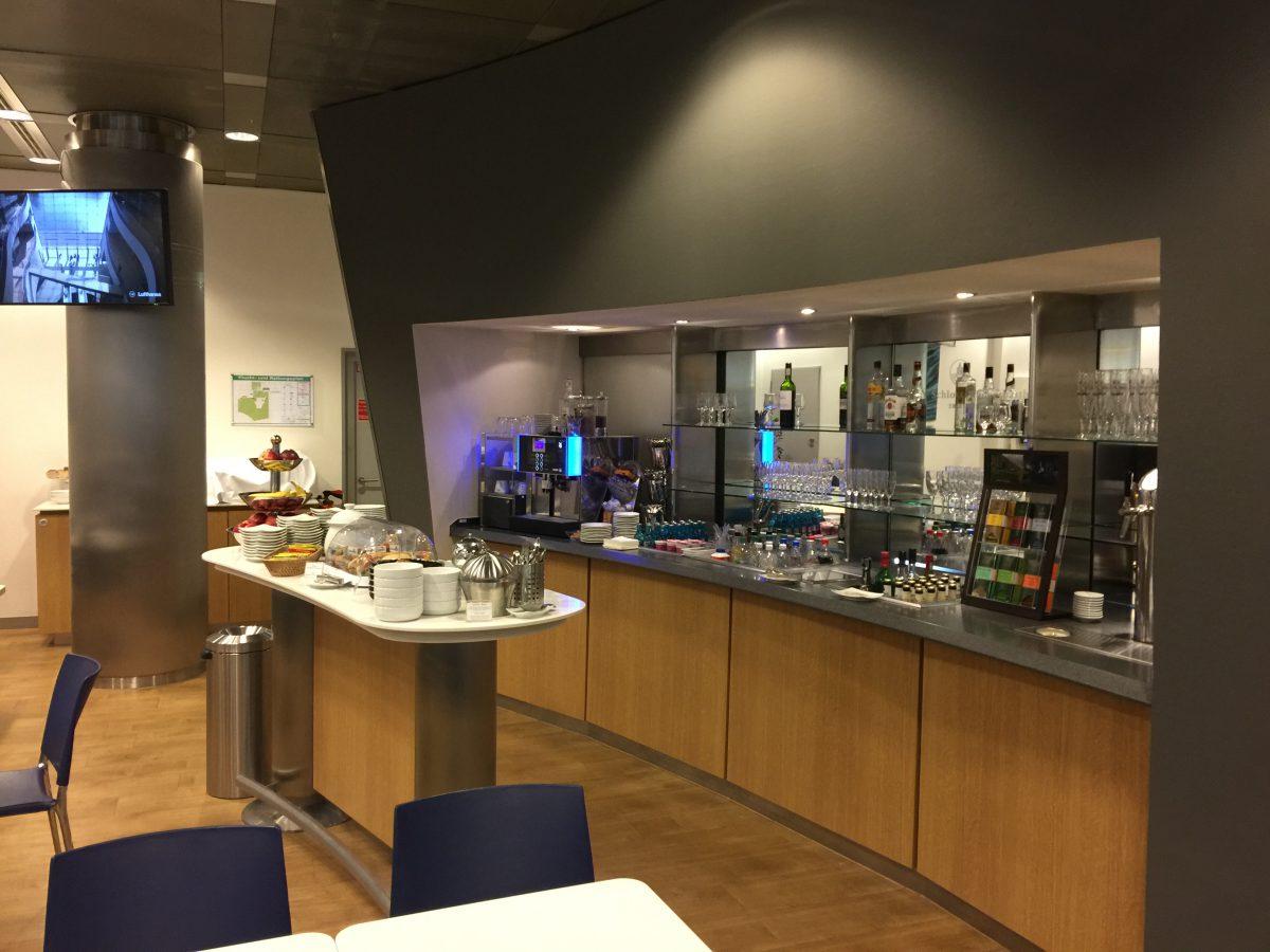 Lufthansa Business Lounge Dresden Buffet