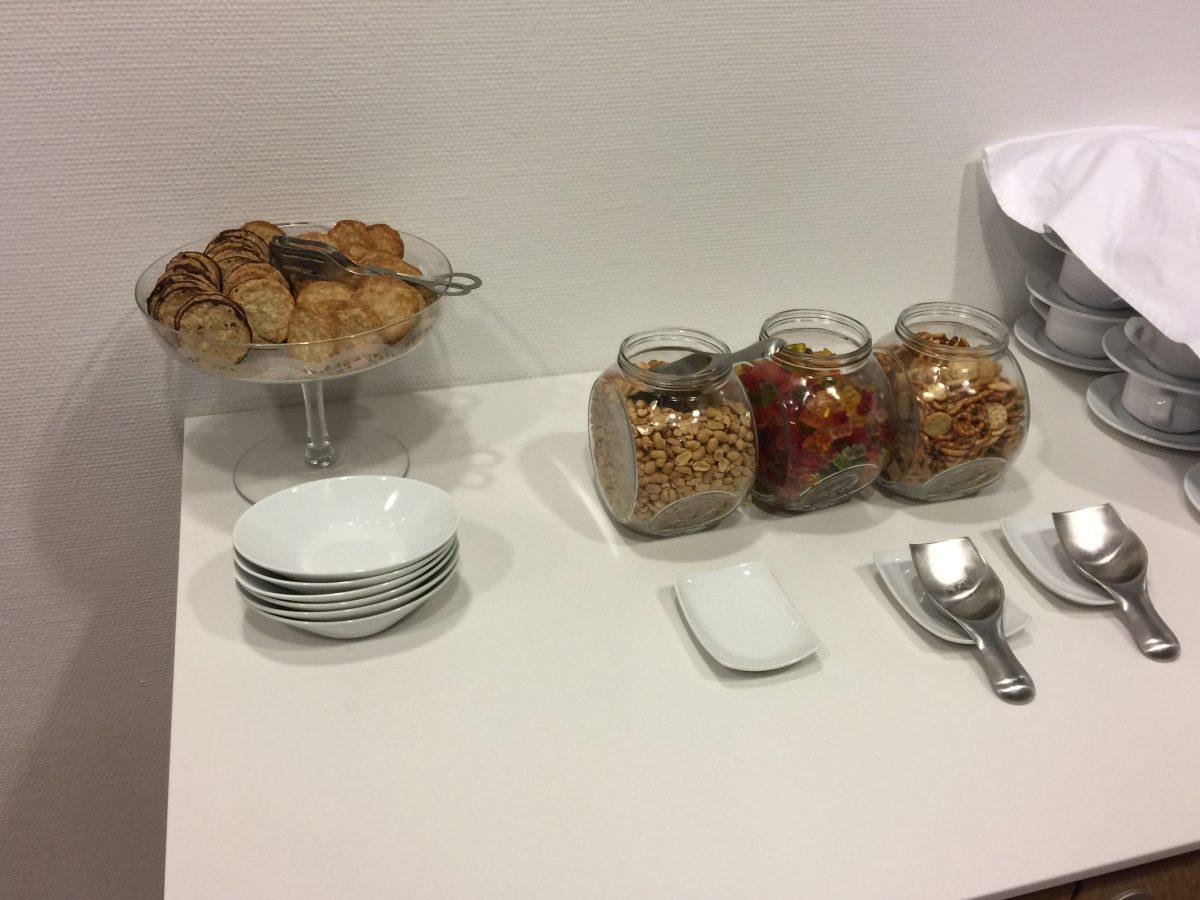 Lufthansa Business Lounge Dresden Snacks