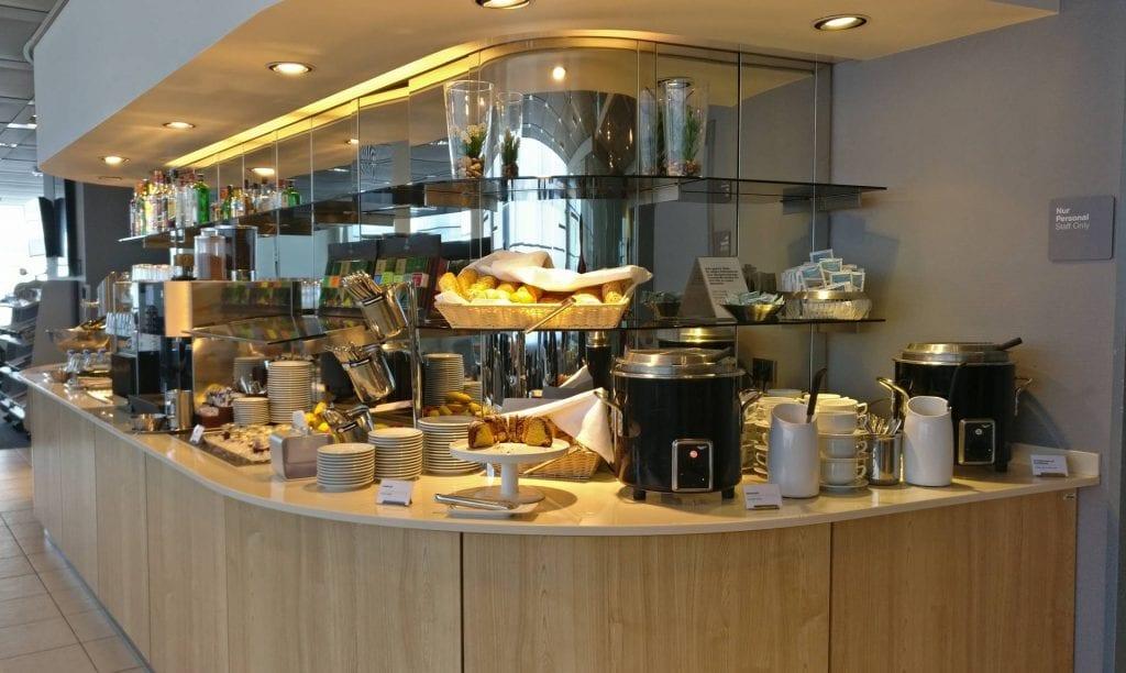 Lufthansa Business Lounge Hamburg Buffet