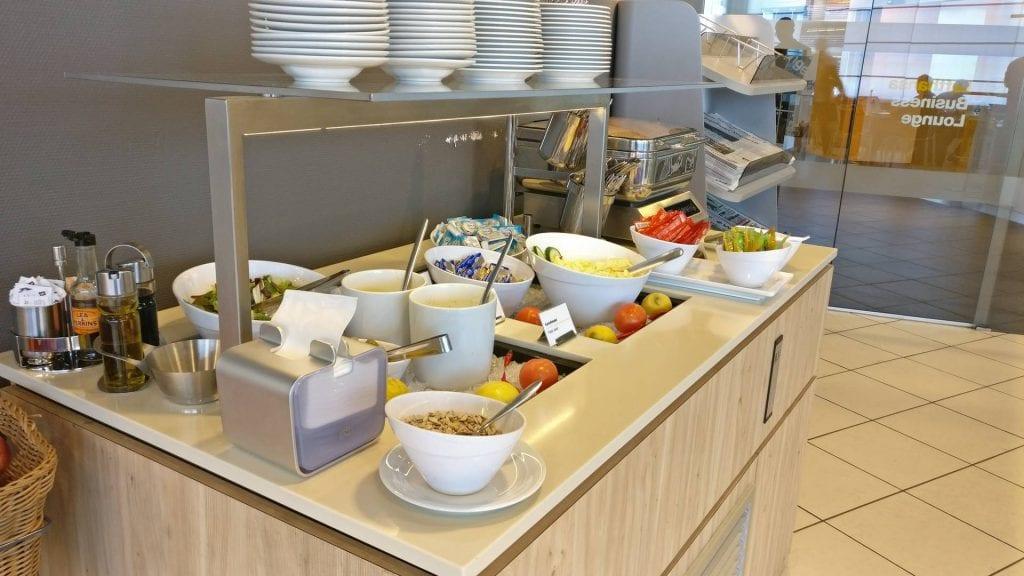 Lufthansa Business Lounge Hamburg Essensangebot Kalte Speisen