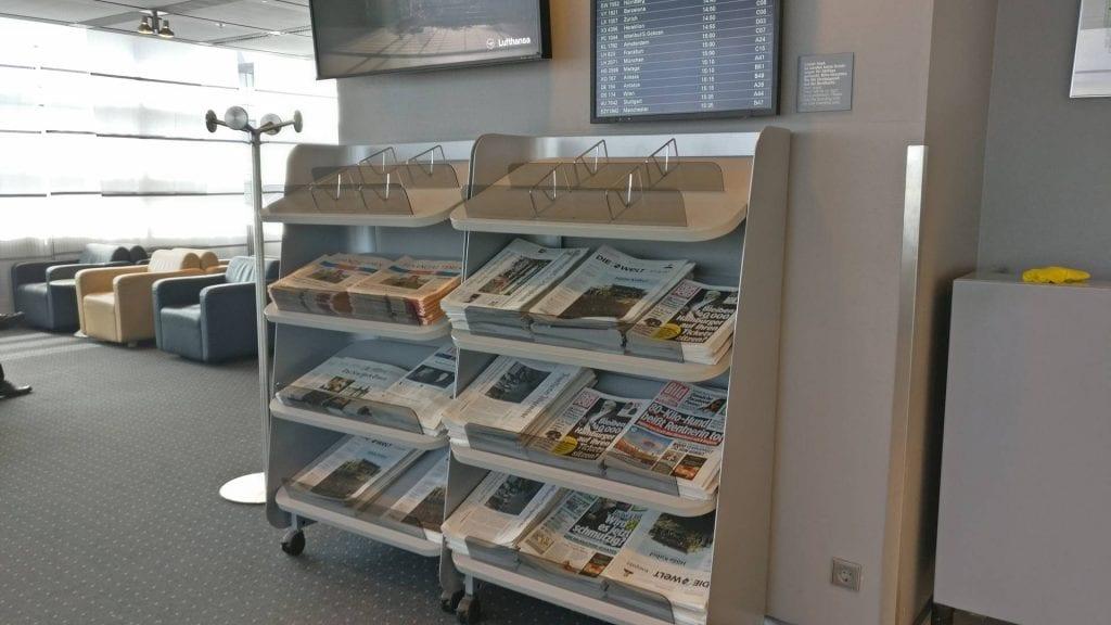Lufthansa Business Lounge Hamburg Zeitungen