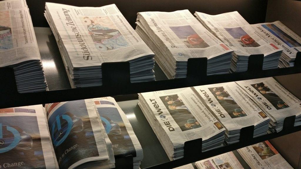 Lufthansa Business Lounge Schengen G28 München Zeitungen