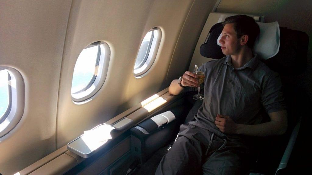 Moritz in der Lufthansa First Class