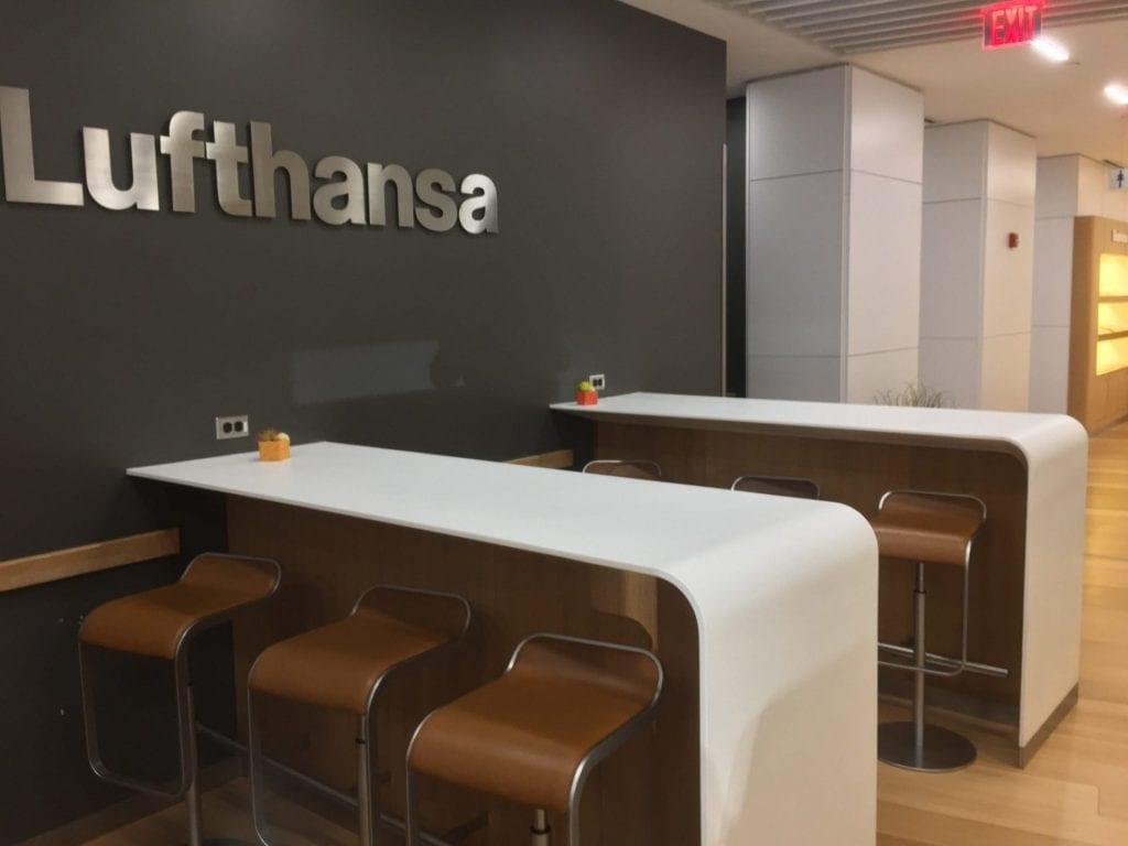 lufthansa business lounge new york newark sitze 3