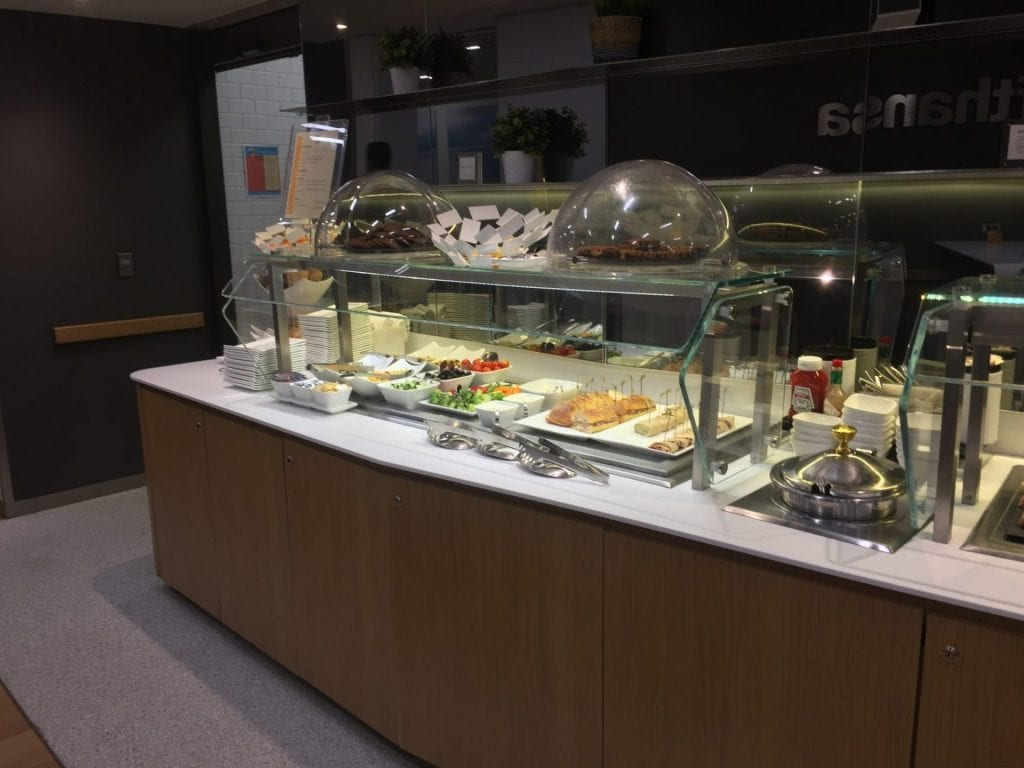 lufthansa business lounge newark buffet 2