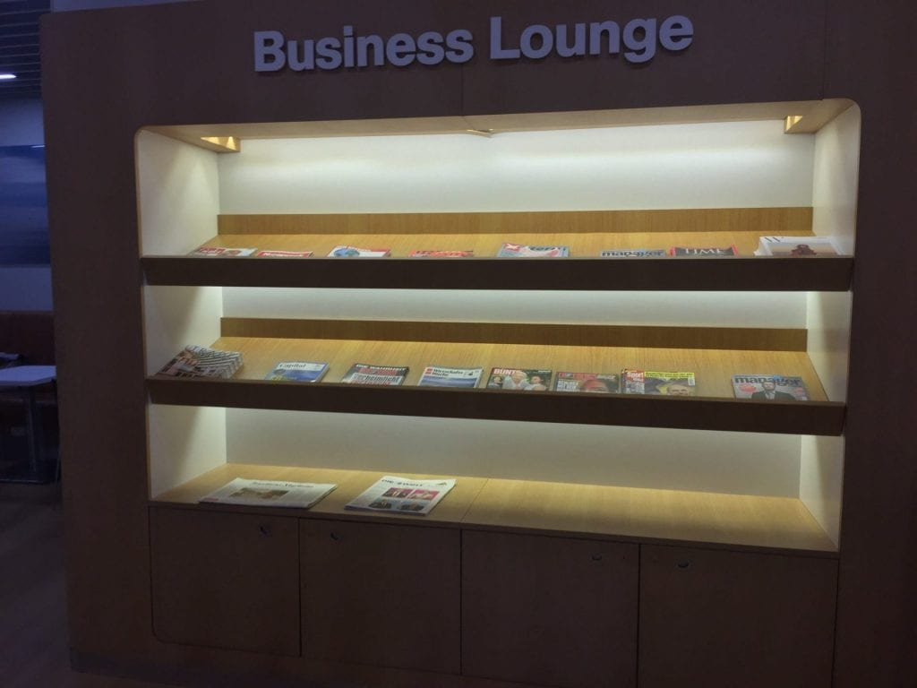 lufthansa business lounge newark zeitungen