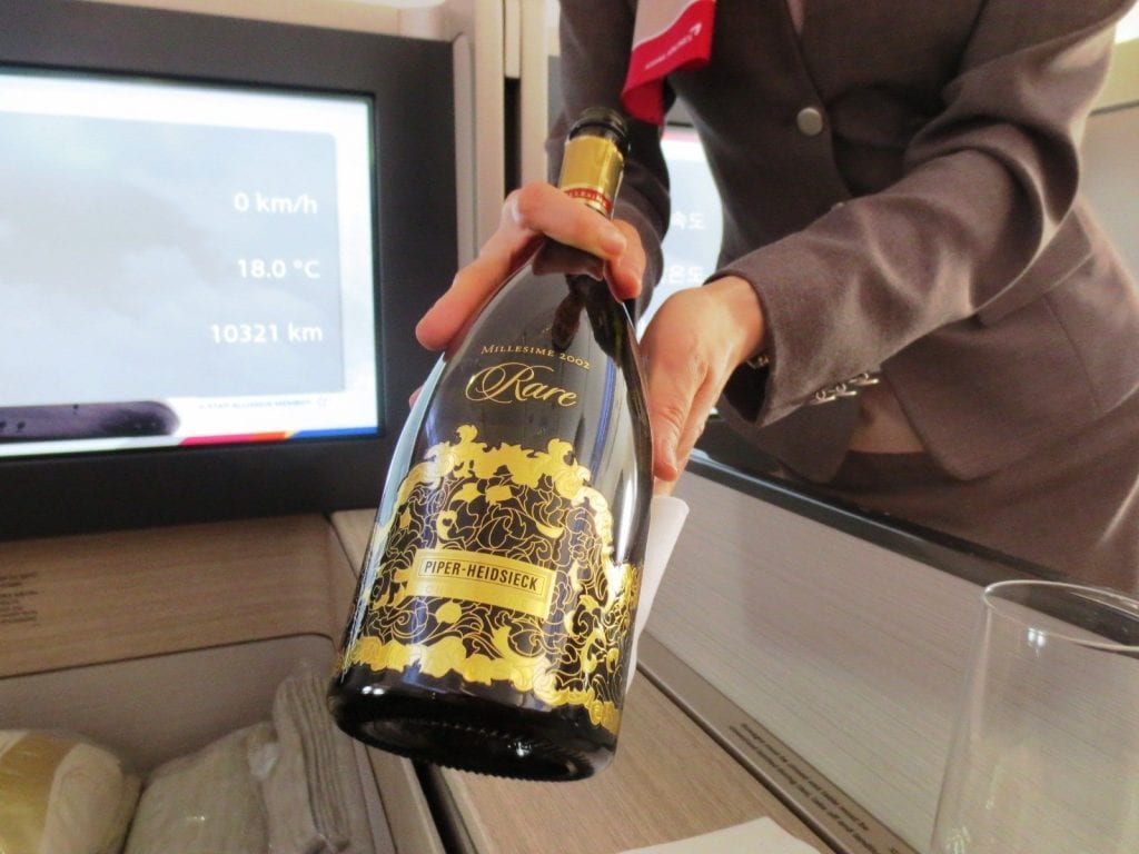 Asiana Airbus A380 First Class Champagner