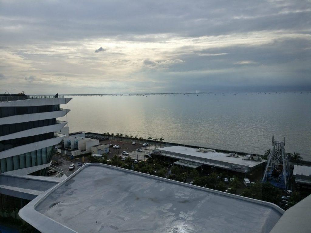 Conrad Manila Excecutive Lounge View
