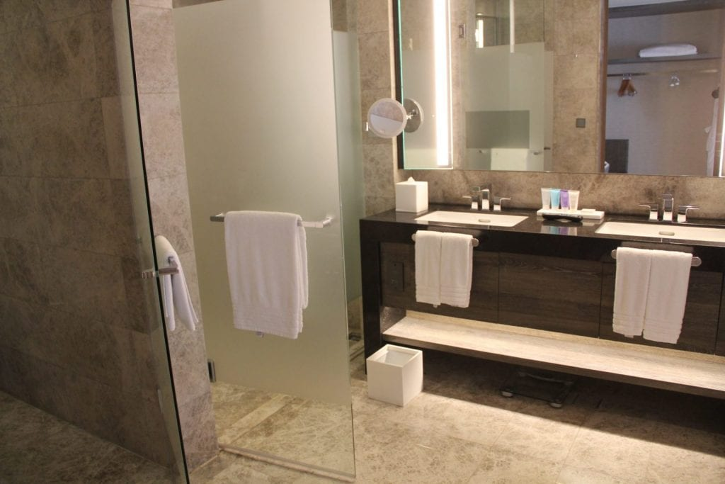 Conrad Manila King Premier Suite Bathroom