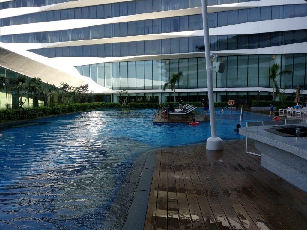 Conrad Manila Pool 4