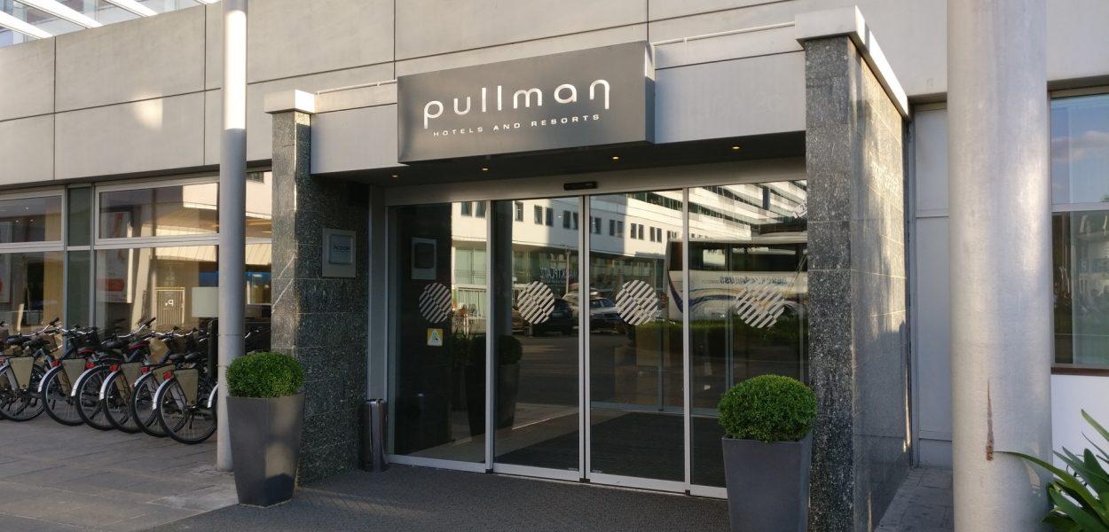 Hotel Pullman Dresden Newa Eingang