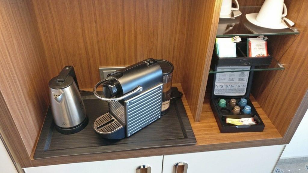 Hotel Pullman Dresden Newa Zimmer Nespresso Kaffeemaschine