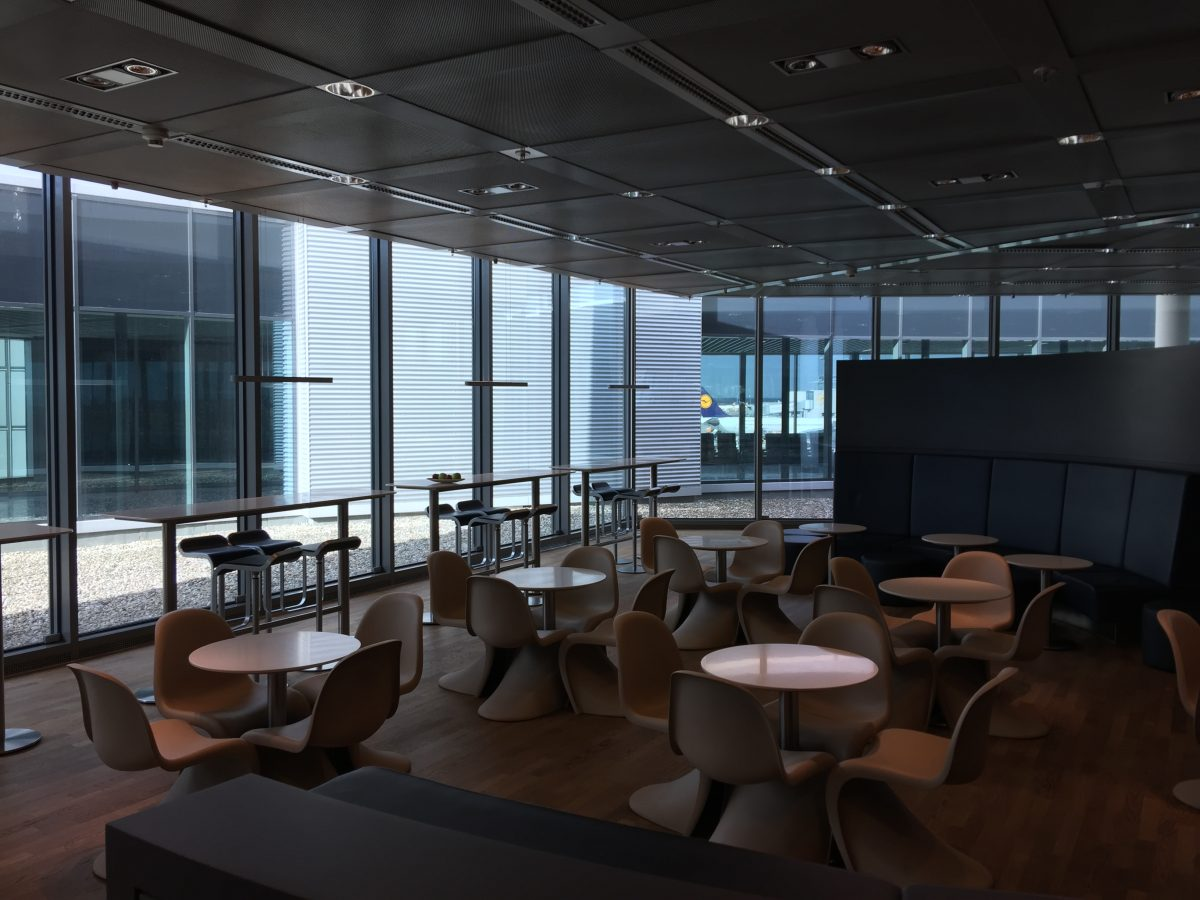 Lufthansa Business Lounge B44 2