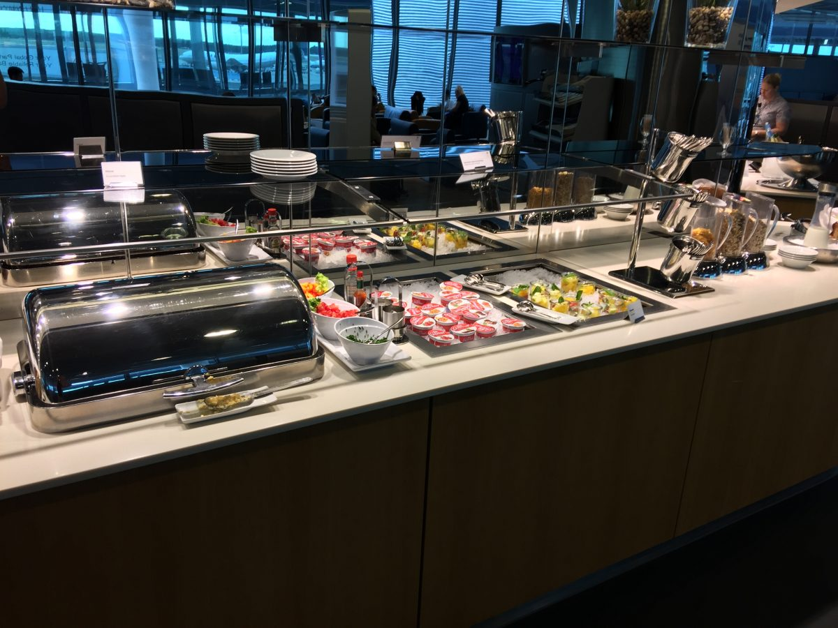 Lufthansa Business Lounge B44 Buffet 1