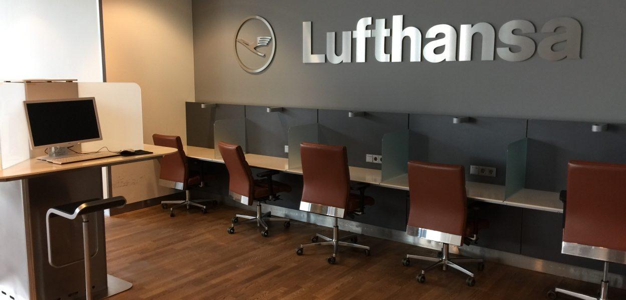 Lufthansa Business Lounge B44 Business Center 1