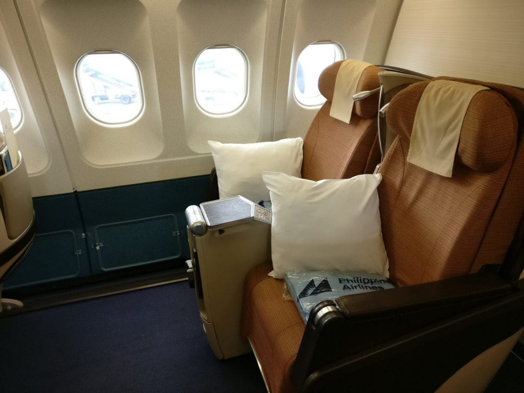 Philippine Airlines Business Class Airbus A340 Seat Pitch