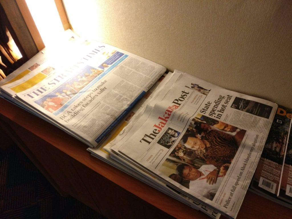 Premier Lounge Denpasar Newspapers