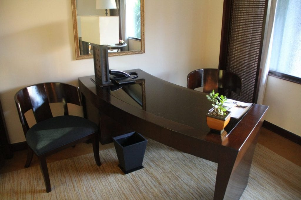 The Peninsula Manila Club Room 7