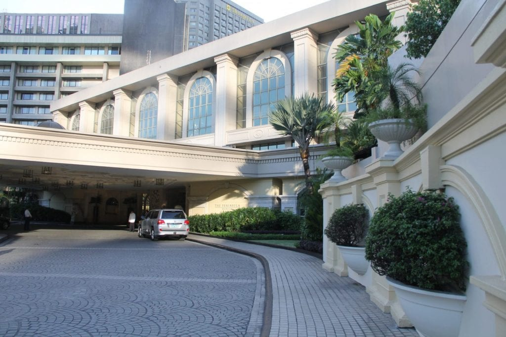 The Peninsula Manila Entrance