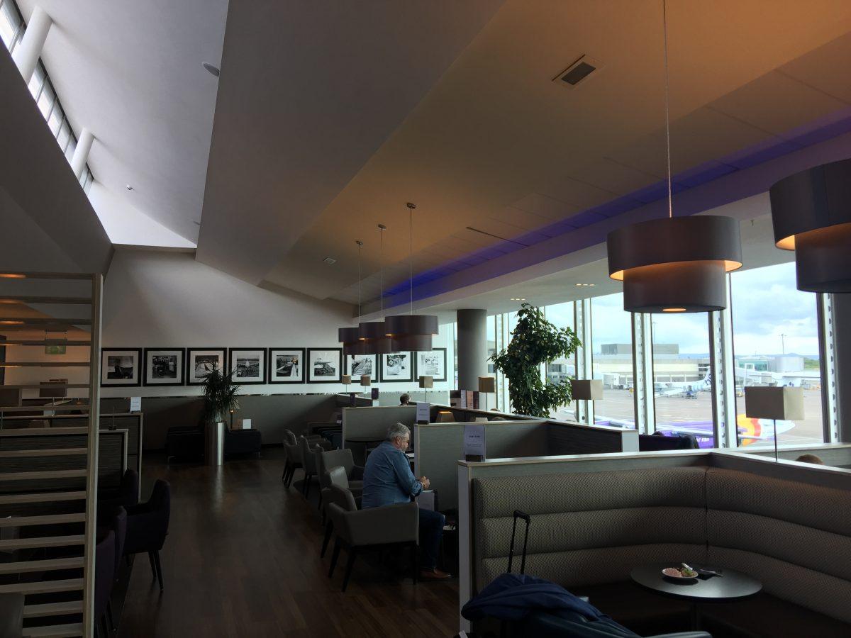 Aspire Lounge Manchester Airport Sitzgelegenhaiten 2