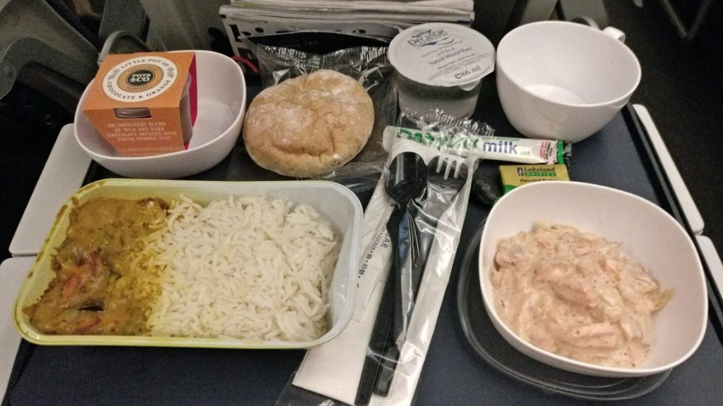 British Airways Economy Class Langstrecke Boeing 787 Abendessen