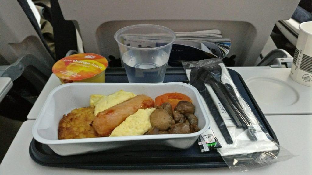 British Airways Economy Class Langstrecke Boeing 787 Frühstück