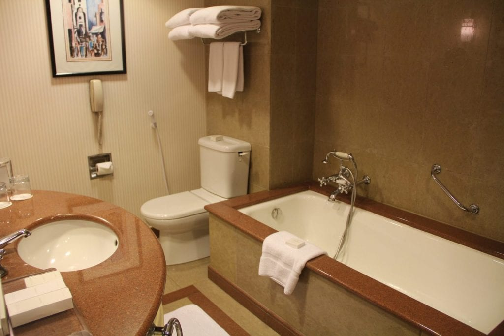 Conrad Cairo Executive Room Bathroom