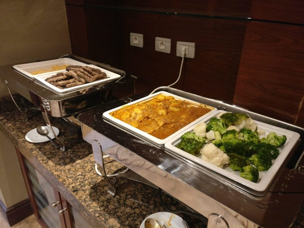 Hilton Alexandria King's Ranch Executive Lounge Food 4