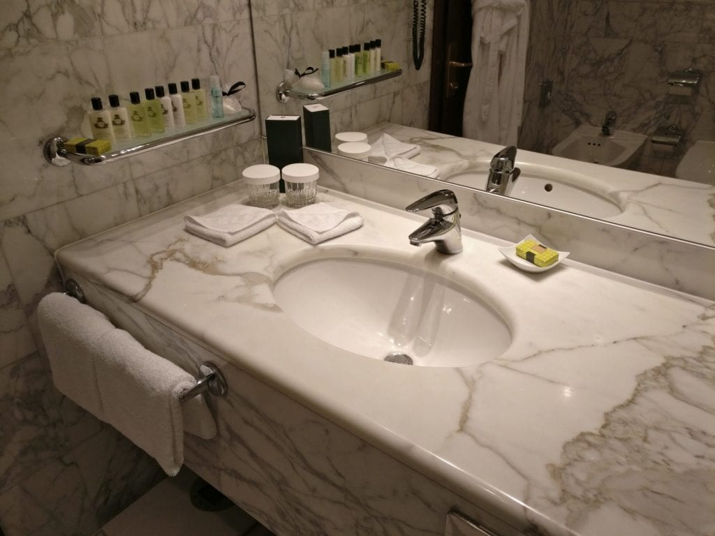 InterContinental Prague Junior Suite Bathroom 5