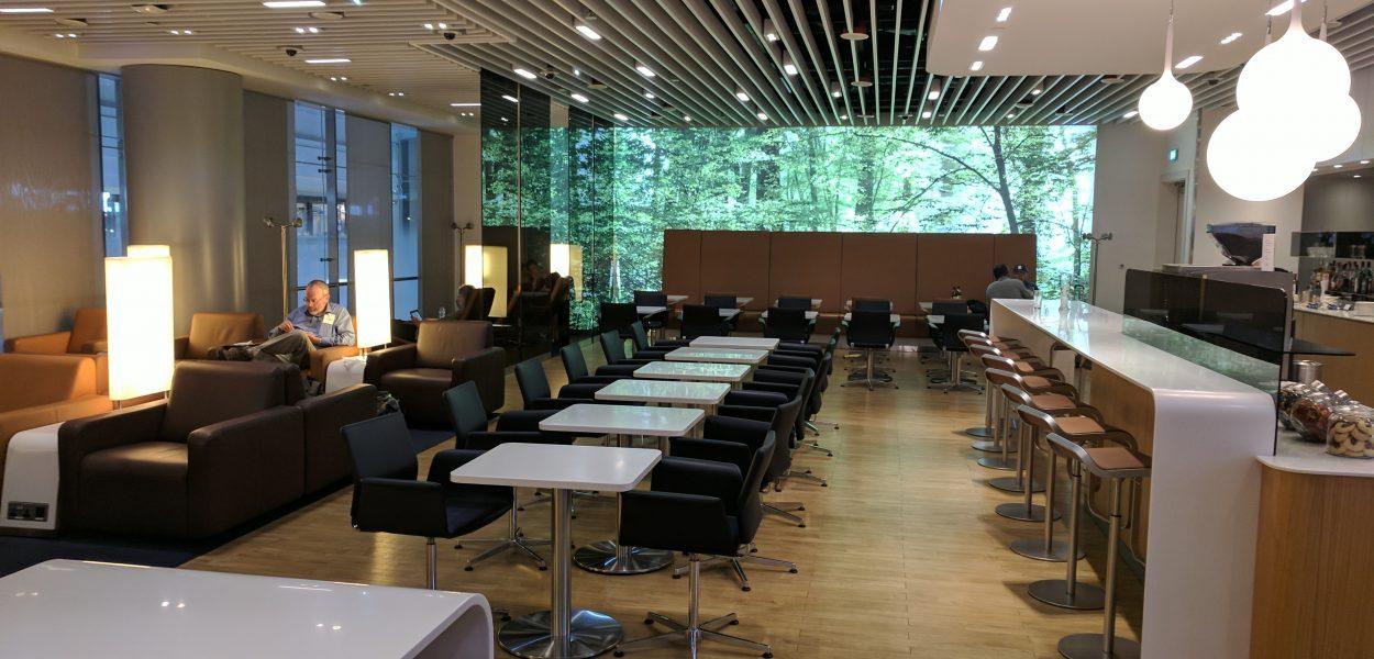Lufthansa Senator Lounge Dubai Sitze