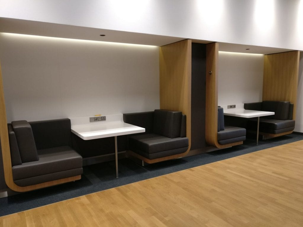 Lufthansa Senator Lounge Munich L11 Seating 4