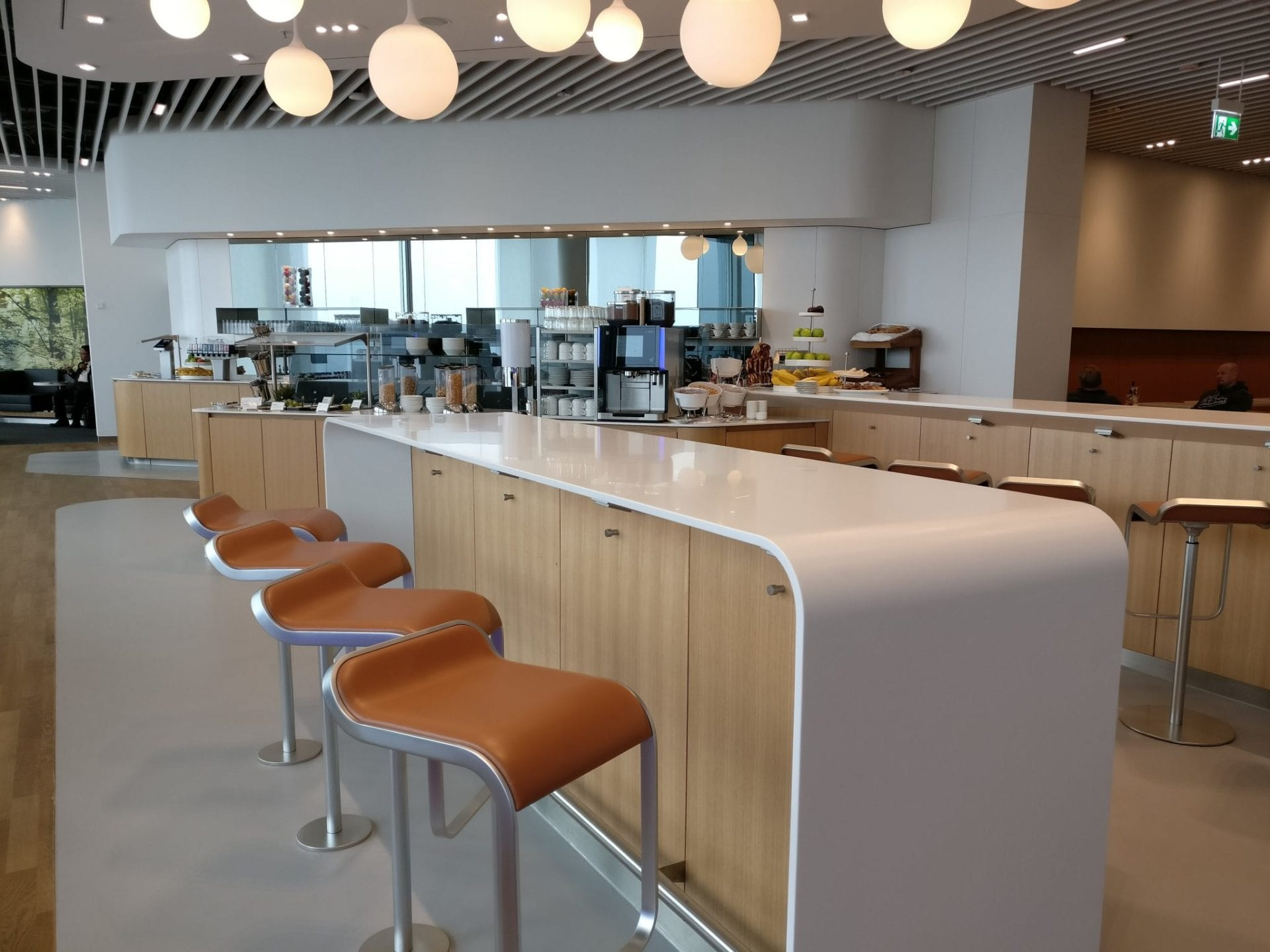 Lufthansa Senator Lounge Munich L11 Seating 6