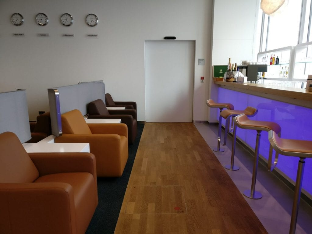 Lufthansa Senator Lounge Munich L11 Seating 7