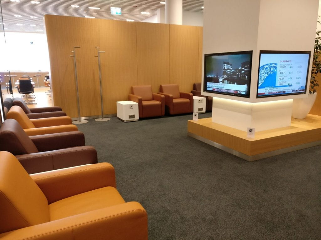 Lufthansa Senator Lounge Munich L11 TV Area