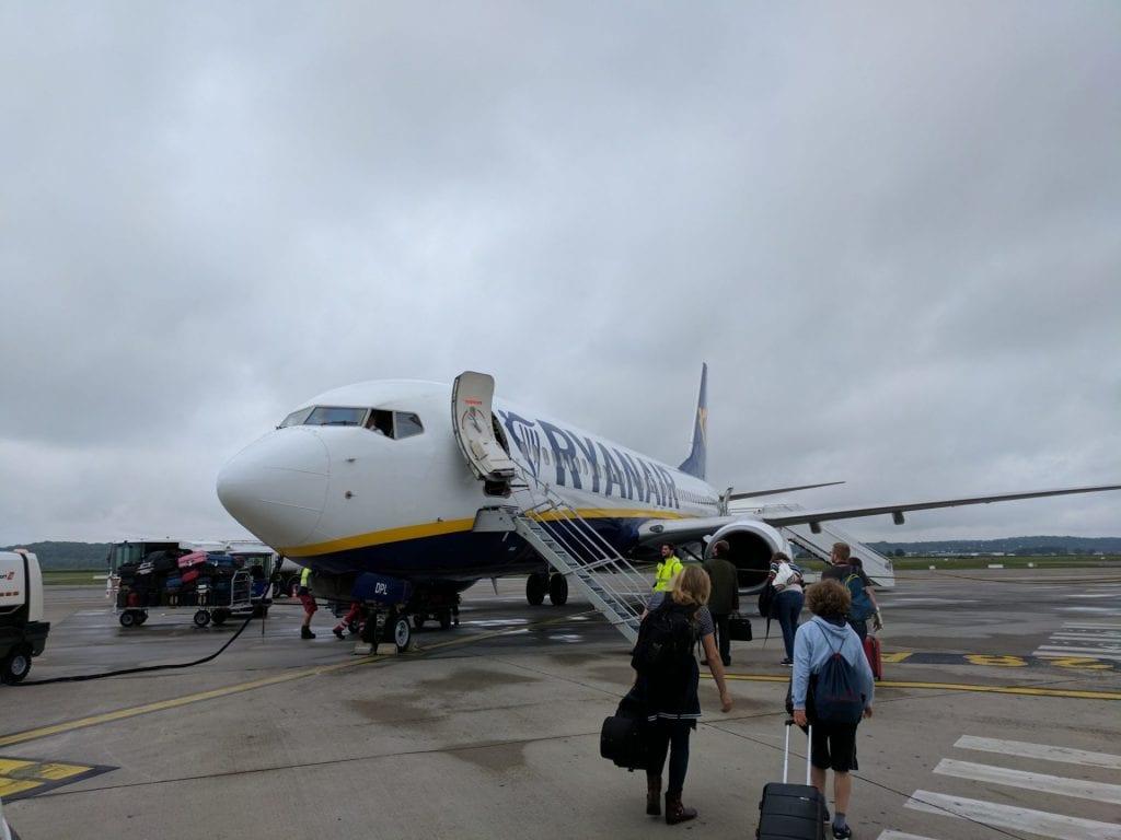 Ryanair Boarding Fußmarsch Treppe