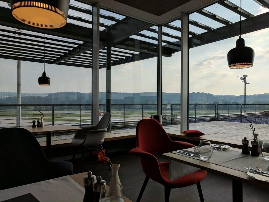 Swiss First Class Lounge Zürich E Essbereich