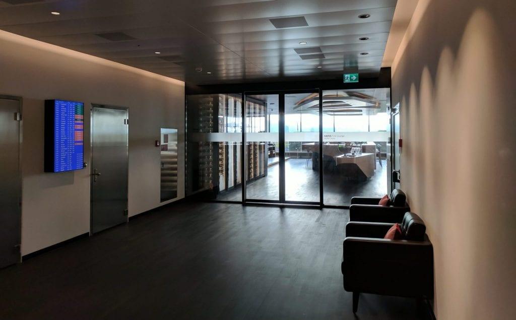 Swiss First Class Lounge Zürich E Lobby