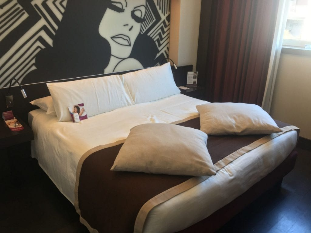 crowne plaza milan city bett