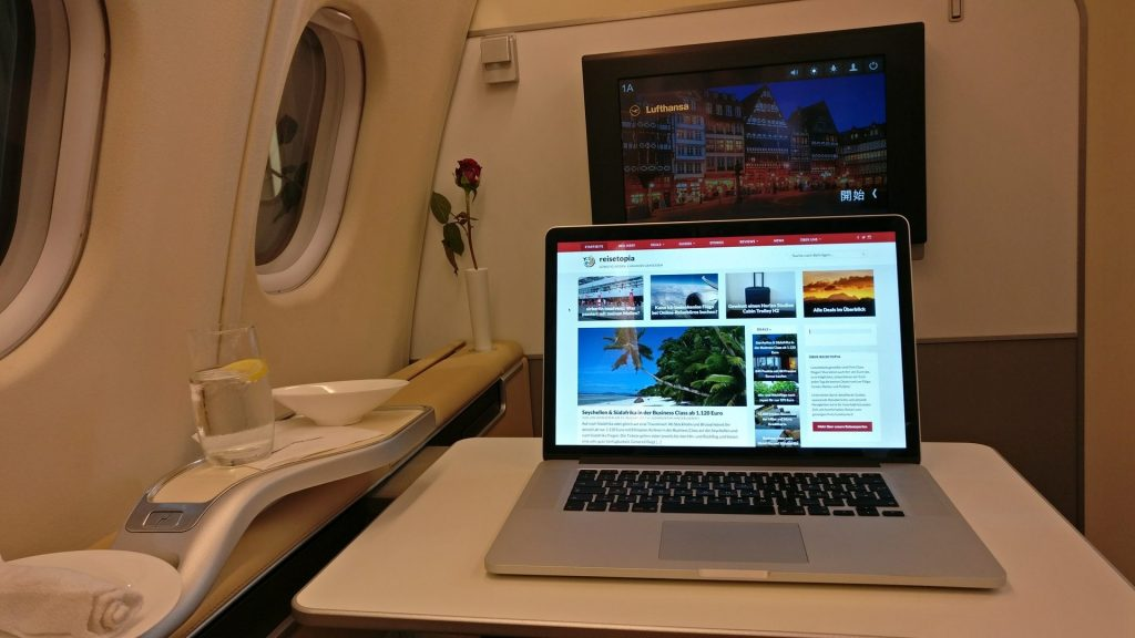reisetopia Laptop Lufthansa First Class 1