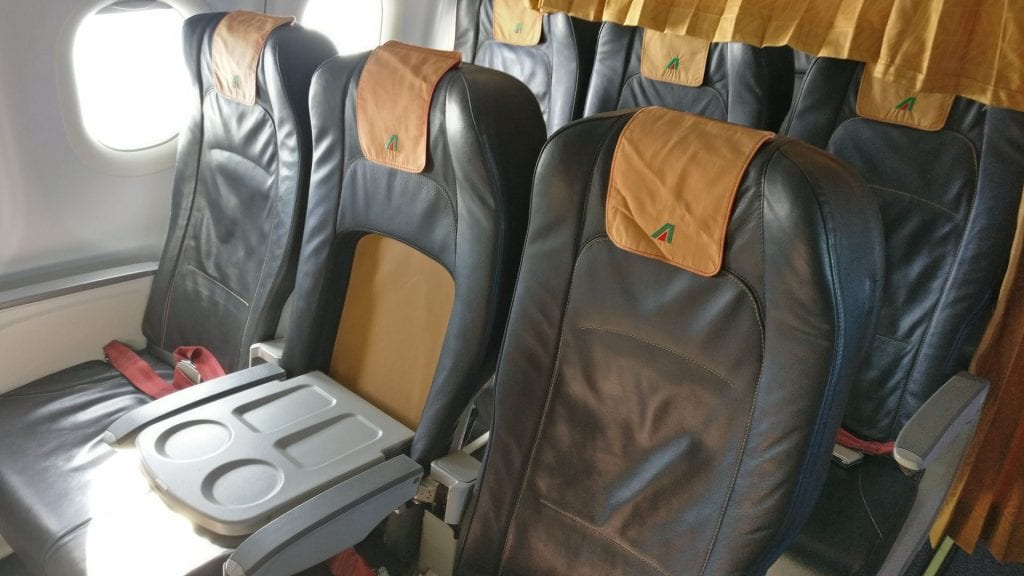 Alitalia Business Class Airbus A320 Seats 5