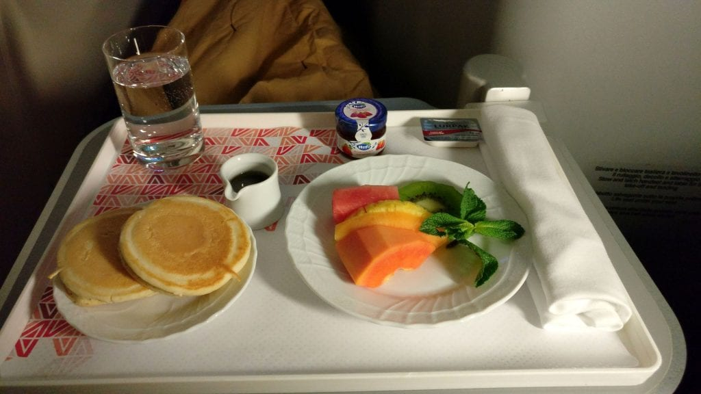 Alitalia Business Class Airbus A330 Breakfast 4