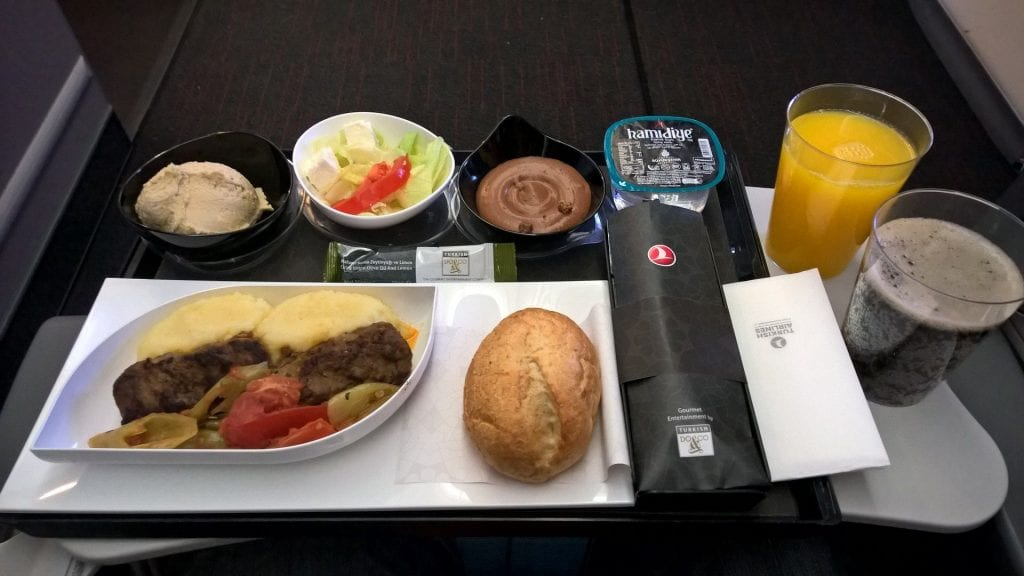 Catering Turkish Airlines 777 Economy 2