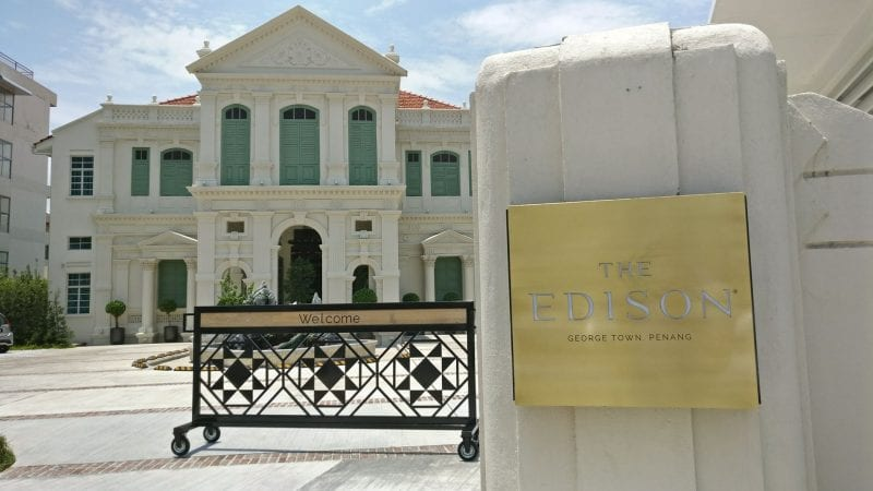 Eingang The Edison Hotel Penang SLH