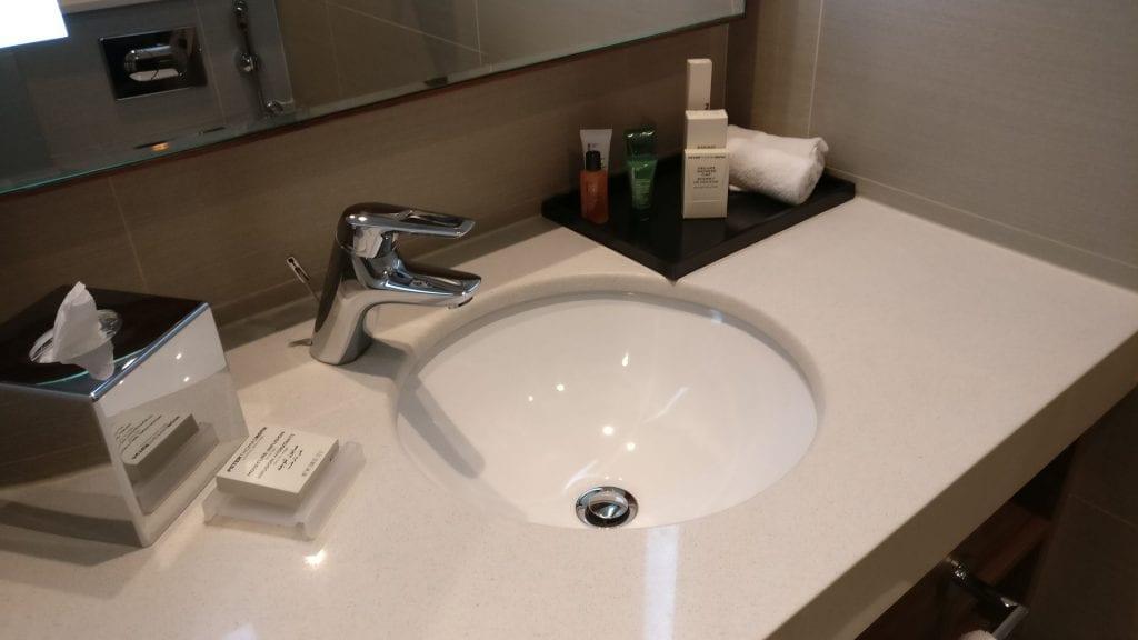 Hilton Garden Inn Dubai Al Muraqabat Suite Bathroom 3