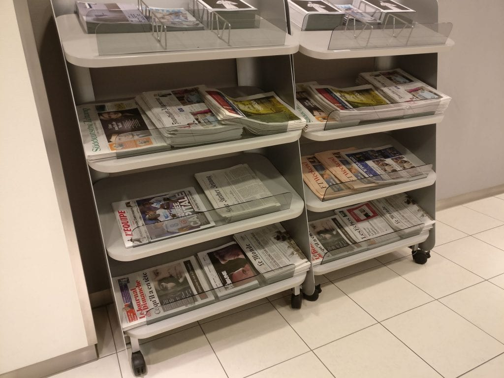 Lufthansa Business Lounge Paris Newspapers